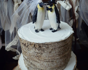 Penguin-wedding-cake topper-penguin lover-snow-winter-zoo-animal-woodland-bird-polar bear-bride-groom-Mr and Mrs-kissing-love birds