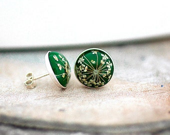Sterling silver GRASS GREEN Real Flower Stud Earrings - Tiny earring studs with queen anne's lace.