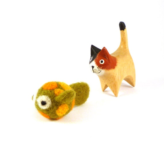 Green and orange spotted fish catnip cat toy needle felted for Fish cat toy
