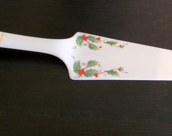 Vintage Dessert Server Holiday Christmas Pie Server Cake Holly Berries Ceramic