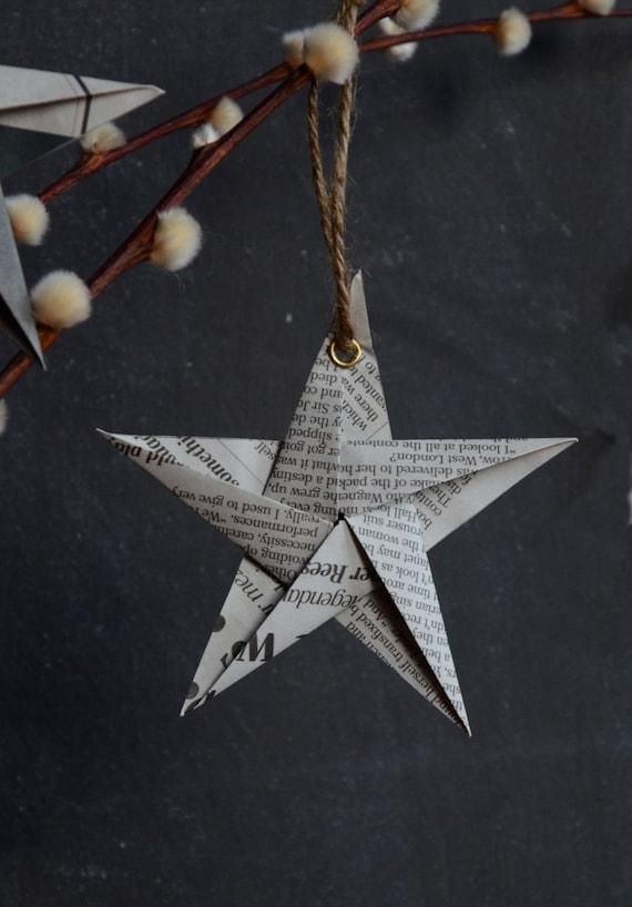 Riciclata di giornale appesi stella addobbi (dimensione: piccolo. Confezione da 5)