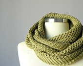 Christmas SALE, Olive, Knit scarf, infinity scarf, Cowl scarf, hood loop, circle scarf, chunky scarf, man, women, unisex circle scarf