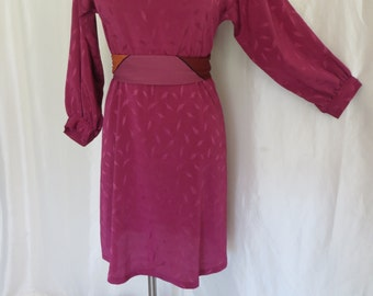 Vintage 70s womens dress long sleeve raspberry size M L day dress fuschia  sheath  office summer