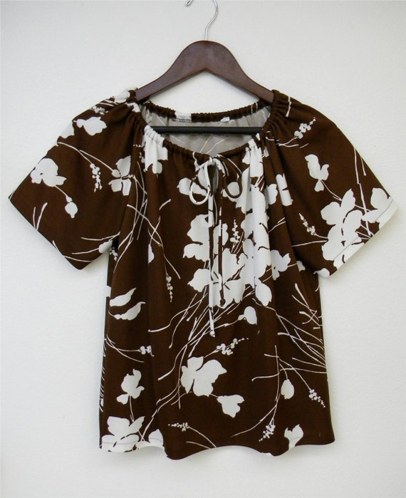 Vintage Shirt Brown White Bold Floral Tropical Print Drawstring Bow Neck Short Sleeve 70s Blouse