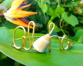 Aloha Shell Wire Word Bracelet, Wire Word Jewelry, aloha, Hawaii bracelet, Hawaii jewelry, shell jewelry, beach jewelry