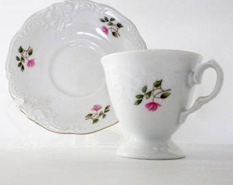 Wawel Royal Vienna China Poland, Tea Cup and Saucer, Pink Flowers and Gold Trim, Royal Vienna Collection