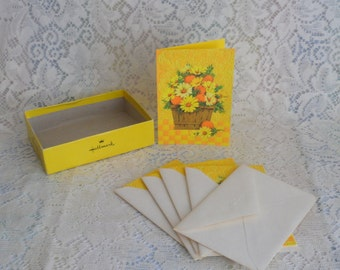 1970's Hallmark Note cards Basket of Daisies and Oranges and blank inside Set of Five with Envelopes