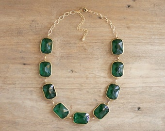 Emerald Green Lucite Statement Necklace, Green Jewel Necklace, Emerald Statement Necklace