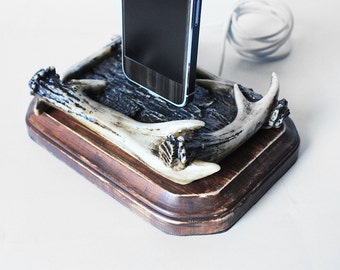 Antlers and Distressed Wood Western iPhone 5S, iPhone 5, iPhone 6 Charging Dock - Docking Station - iPhone 5C