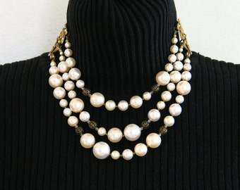 3-strand White Pearl Necklace