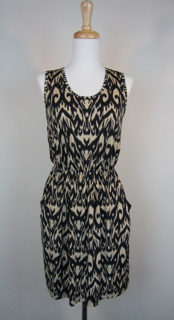 Sleeveless Print Dress with Pockets