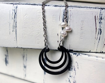 triple retaining ring necklace - modern jewelry - DELPHINE necklace