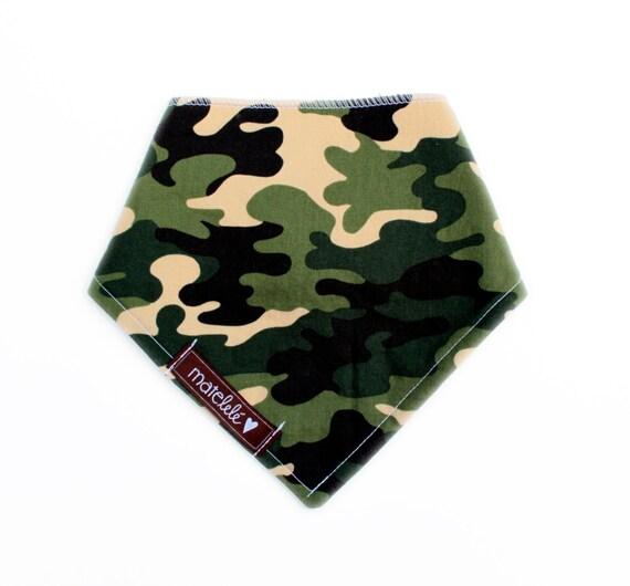 bavoir bandana pour b b foulard pour b b gar on par matelele. Black Bedroom Furniture Sets. Home Design Ideas