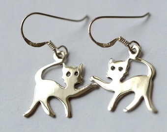 925 Sterling Silver Saying Hello Cat Dangle Earrings 479