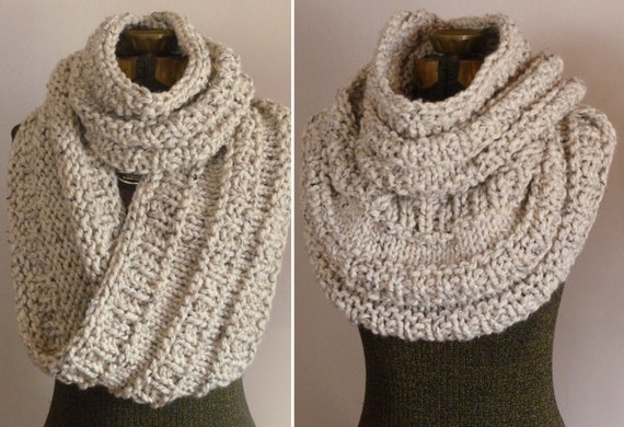 Chunky Hand Knit Cowl in Oatmeal, Knit Huge Infinity Scarf, Infinity Loop Scarf Cowl, Chunky Knitted Circle Scarf, Neutral Cowl Snood