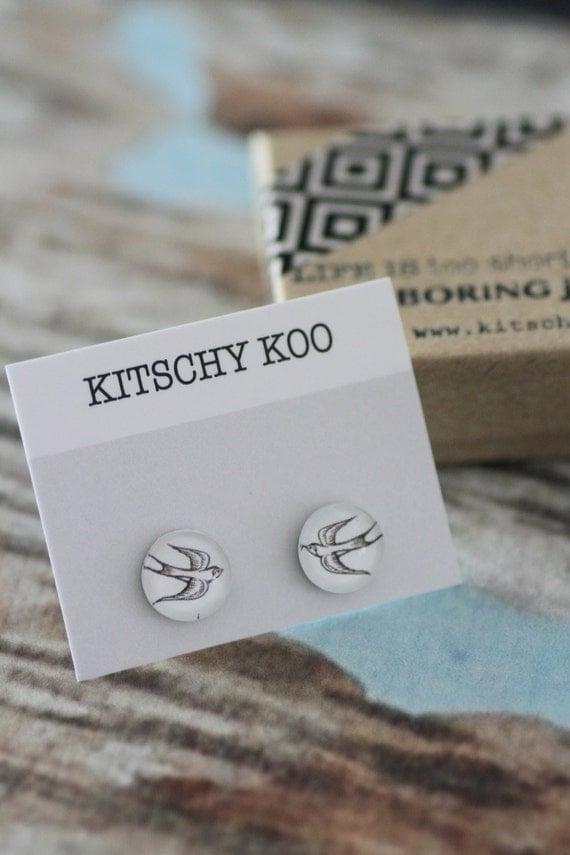 FREE WORLDWIDE SHIPPING - Swallow Rockabilly Earring studs - surgical steel - sensitive ears - unique kitsch Swallow Sparrow Bird Earrings
