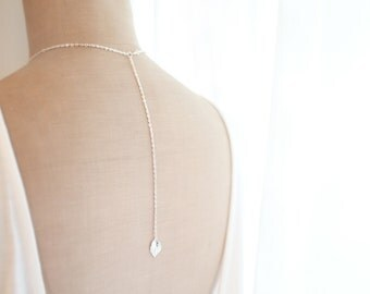 leaf - Back Drop Necklace, Everyday Jewelry, Minimal Leaf Pendant, Silver and Gold Color