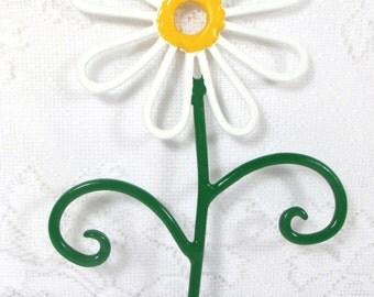 flower wall hook metal handpainted white daisy