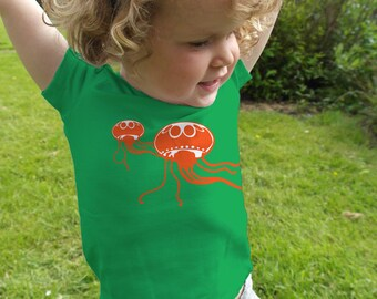 Jellyfish! 'Glow in the dark' kids t-shirt with a print of a jellyfish.