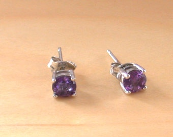 Amethyst Stud Earrings/Sterling Silver Amethyst Earrings/ Purple Gemstone Earrings/Amethyst Jewellery/Amethyst Jewelery/Amethyst jewelry