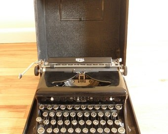 Newly Refurbished! Antique 1930's Royal Deluxe Typewriter- Model O - Touch Control- with original carrying case