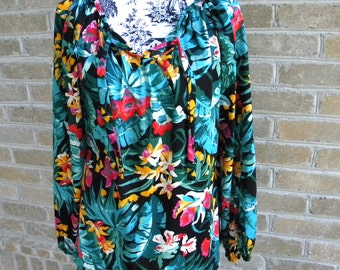 Vintage Loose Fit Long Sleeve Floral Shirt Size M / Vintage Flowy Top / Floral Top