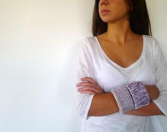 Lilac knit cuffs. Hand made wrist bracelets.  Set of two knit bracelets. Lilac cotton bracelets. Cuff bracelets. Womens cuffs. KEENbyAM
