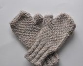 hand knit wool fingerless gloves / gray wool hand warmers / nubby knit fingerless mittens
