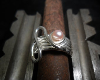 Ring in sterling silver with freshwater Pearl Pink