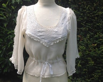 Beautiful Ivory Chiffon and Irish lace blouse, 1930s, Size S/M.