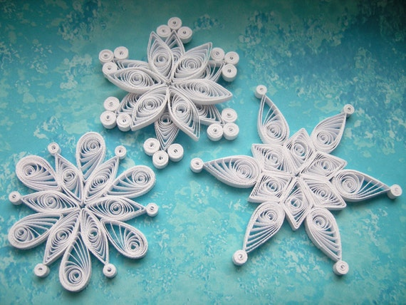 Niseko snowflakes paper quilled ornaments christmas for Decoration quilling