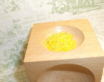 czech seed bead 2mm clear with yellow 14 gram