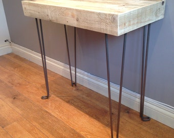 Reclaimed pallet wood side table with steel hairpin legs