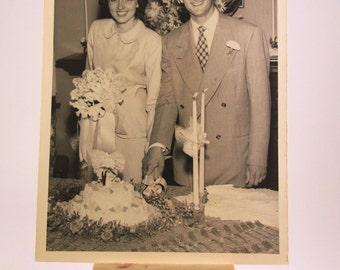 1940's Black & White Wedding Photo of Young Couple