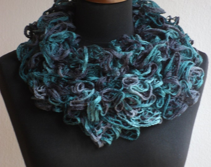 Ruffle scarf, Frilly scarf, Knitted scarf, Green scarf, Fashion scarf, Mother's Day gift, Spring Accesories, Clearance sale!!! Womens scarf