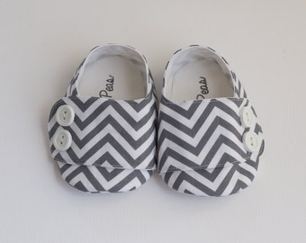 Baby Shoes Baby Boy Shoes Toddler Boy Shoes Soft Sole Shoes Spring Shoes Summer Shoes Chevron Shoes Gray Chevron With Buttons Shoes