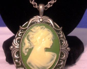 Grecian Woman, Cameo, Green = N129