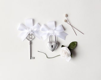 Wedding lock and key set, Unique keepsake, Groom boutonniere and Bridal bouquet pin, silver  -  KEY to my HEART