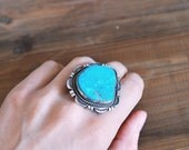 Turquoise Ring Vintage - Sterling Silver - Native American size 7.5 big statement ring