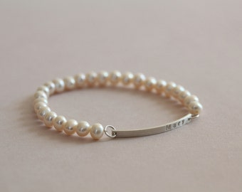 bridesmaid gift, bridesmaid bracelet, pearl bracelet, name bracelet, personalized gift - bulk discount