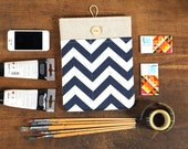 60% OFF Winter SALE White Linen iPad Case with navy blue chevron print pocket. Padded Cover for iPad 1 2 3 4. iPad Sleeve Bag.