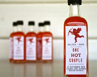 "No.3 - Wedding Chilli Oil Bomboniere / Favors ""One Hot Couple"" - Chilli Infused Olive Oil - Custom Labelled"