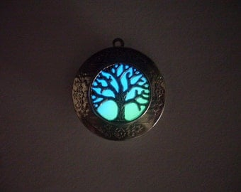 GLOW in the DARK Tree of Life Round Silver Photo Locket -- Colors: Green, Aqua, Blue, Yellow, White, Orange, Pink, Purple, Red