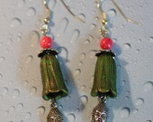 Unique  Buddha Earrings, with green Flower, handmade, Asia,
