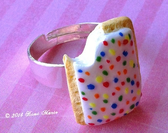 Toaster Pastry Ring, Poptart Jewelry, Breakfast Jewelry, Miniature Food, Food Jewelry, Ring, Gifts for Her, Foodie, Cute Jewelry, GiftIdea