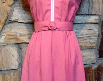 Vintage 1970s Short Cap Sleeve Pink & White Spring Dress with Belt/ small