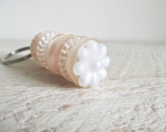 Vintage Stacked Buttons Key Ring Keyring / Key Chain Keychain - Pearl