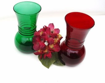 Vintage Anchor Hocking Glass Vases / Red Green Glassware / Flower Containers  - Lot of 2