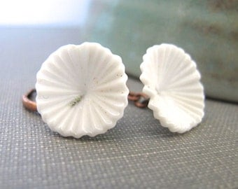 White Earrings, Copper Earrings, White Flowers, Opaque White, Oxidized Copper, Glass Jewelry, Copper Jewelry, Vintage Glass,