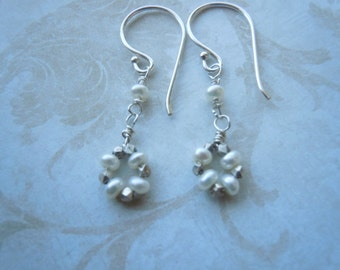 Sterling silver and fresh water pearls earrings
